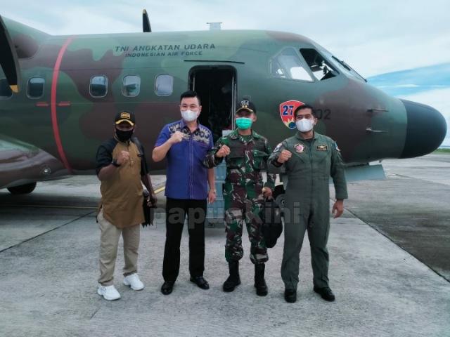 Jelang Pelantikan, Bupati dan Wabup Terpilih Kabupaten Kaimana Terbang ke Manokwari